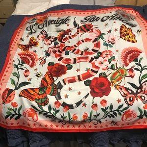 Gucci silk Scarf 20x20